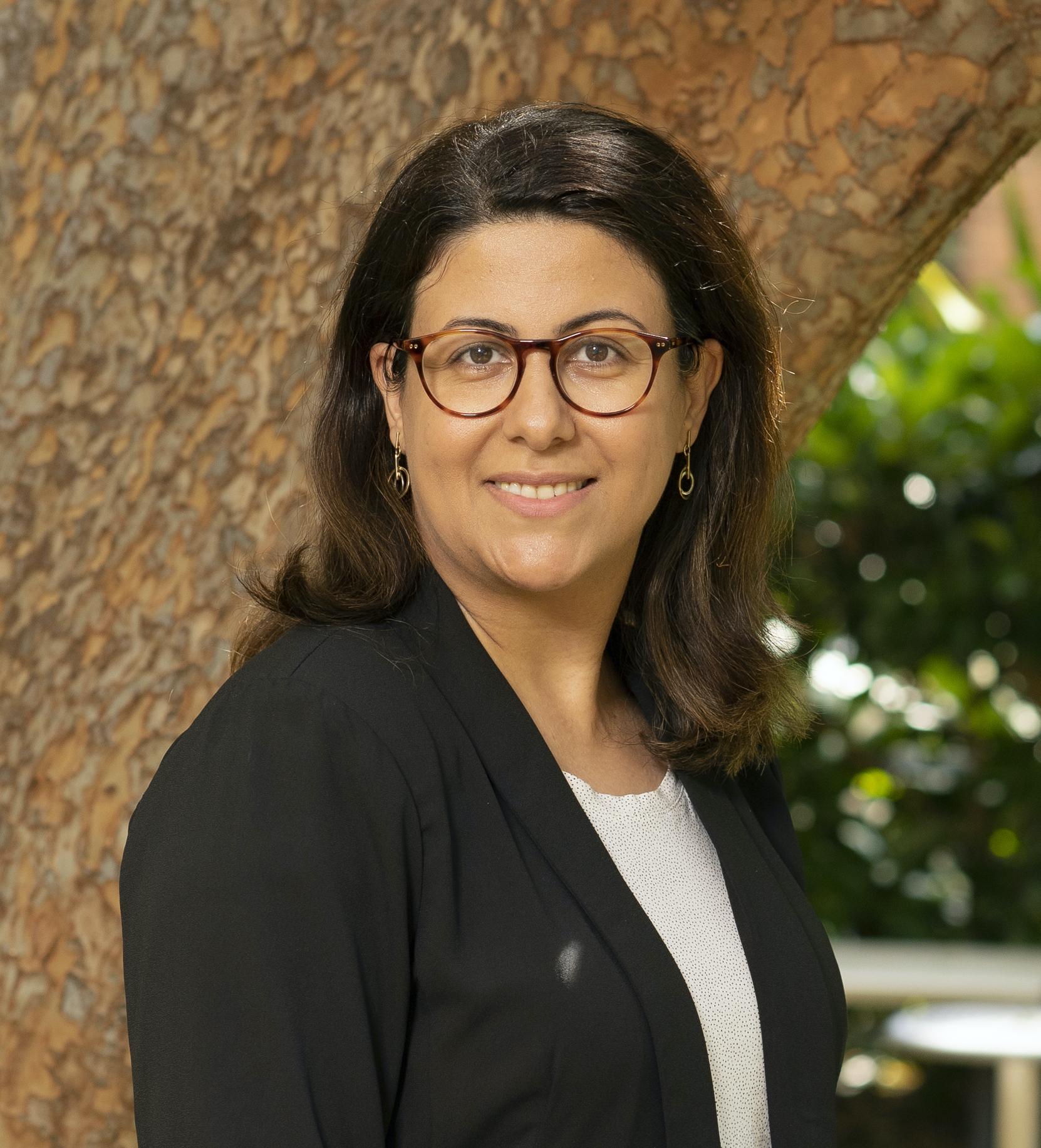 Dr Dorna Esrafilzadeh